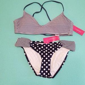 Xhilaration Medium Bikini Top & Bottoms NWT